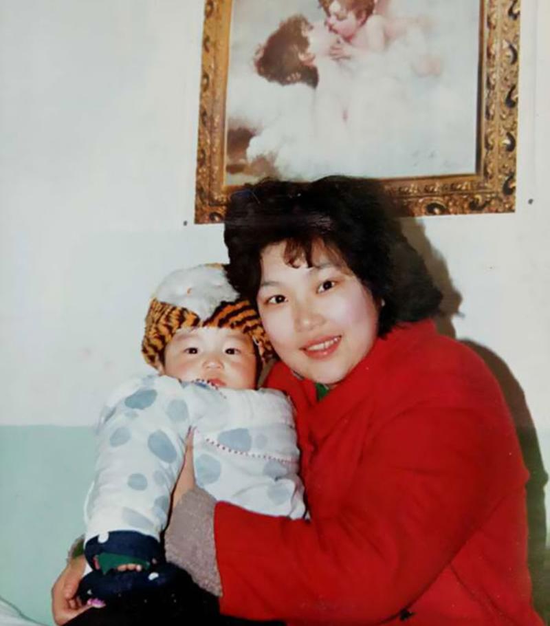 Die Mutter hat das geistig behinderte Kind nicht verlassen. Und das ist er in 29 Jahren geworden!