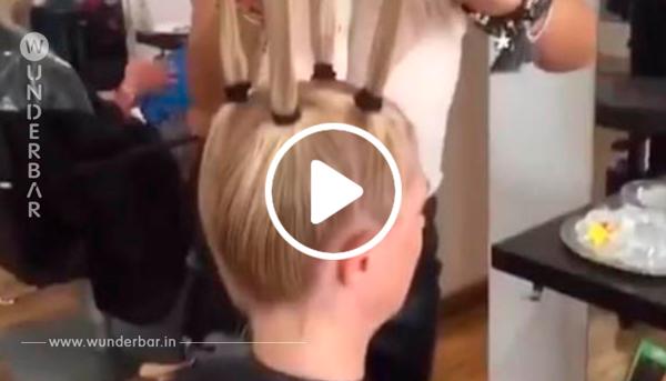 Diese Frau möchte einen neuen Haarschnitt haben. Was die Friseurin dann tut, sorgt für Aufsehen im Salon.