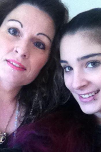 13 Jährige starb nachdem sie jahrelang gemobbt wurde – nun schreibt die Mutter einen offenen Brief