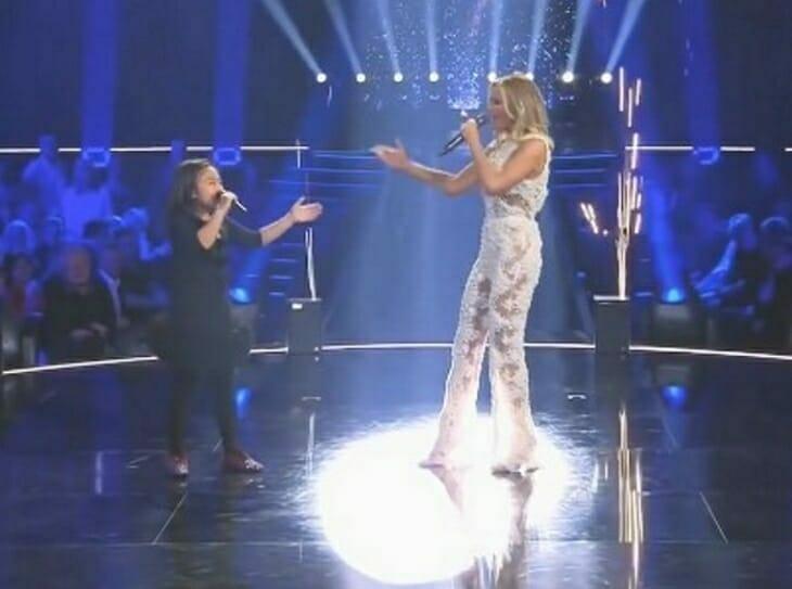Der beliebte Sänger lud dieses Mädchen auf die Bühne ein. Das Publikum war so überrascht von diesem Duo!