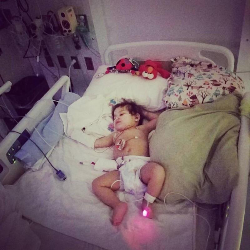 Im Moment seines Todes bekommt Baby neues Herz.