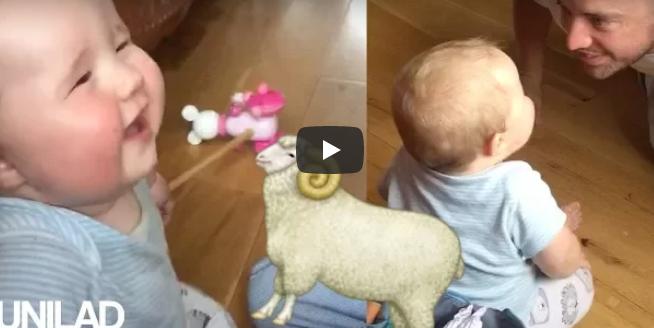 Er möchte sein Baby zum Lachen bringen – doch dieses lacht plötzlich wie ein Schaf