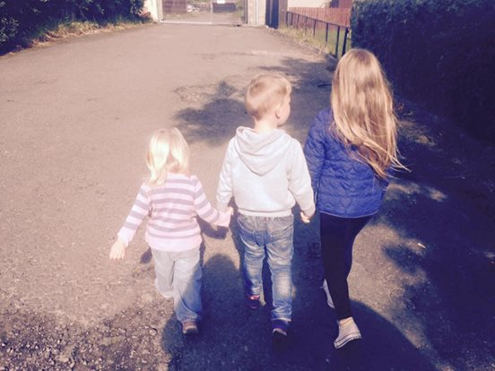 Volltätowierter Nachbar rettet 2 Mädchen vor Pädophilem.