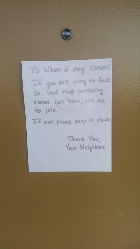 15 witzige Beschwerden von gereizten Nachbarn.