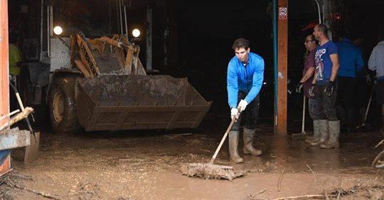Tennisstar als Helfer in der Not: Rafael Nadal packt nach Überschwemmung auf Mallorca an