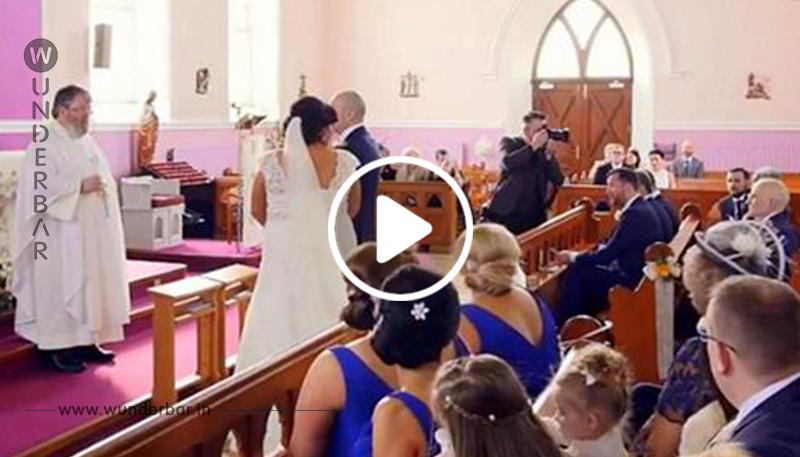 Hochzeitszeremonie wird von Stimme unterbrochen – Braut dreht sich um und fängt an zu weinen