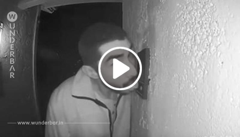Dies ist die Geschichte eines Mannes, der drei Stunden lang an einer Türklingel leckte