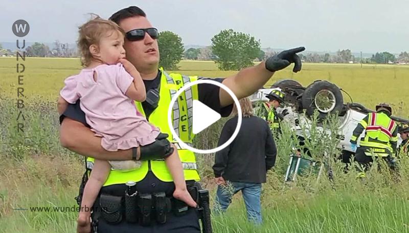 Nachdem ein Vater bei einem Unfall getötet wurde, entdeckt der Polizist dessen 2 jährige Tochter und beginnt zu singen, um sie zu trösten