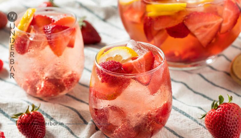 Alkoholfreie Erdbeerbowle - so geht's