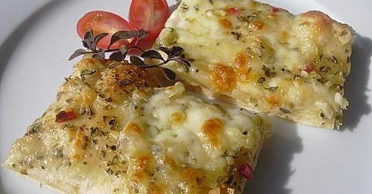 Roros geniale und weltbeste Knoblauchpizza