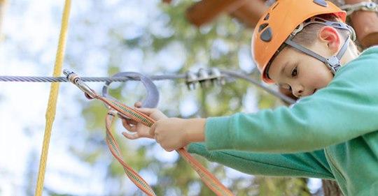 Ab nach draußen: Beliebte Sommer-Sportarten für Kids