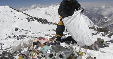 Der Kampf gegen Müll und Massen: Müssen wir die Berge besser schützen?
