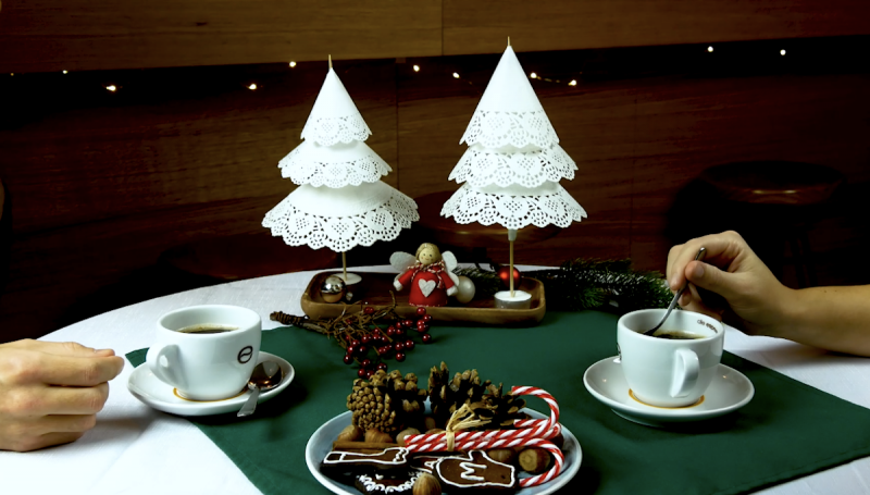 3 festliche Ideen für die Weihnachtsdeko aus Tortenspitze