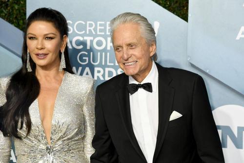 Catherine Zeta Jones sagte während dem prima Ausgeh Abend bei den SAG Awards, sie sei so stolz auf ihren Ehemann Michael Douglas