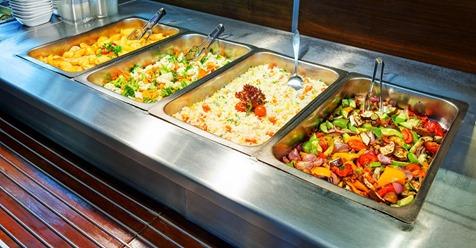 Dieses Restaurant gibt einem Obdachlose jeden Tag kostenloses Essen, anstatt die Reste wegzuwerfen