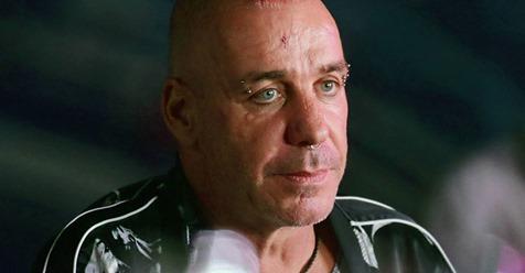 Till Lindemann hat Corona: Rammstein-Sänger liegt auf Intensivstation