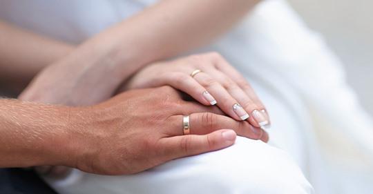 Wann heiraten? Wie die Beziehungsdauer vor der Trauung deine Ehe beeinflusst