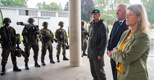 Alle gegen Tanner: Opposition will das Bundesheer retten