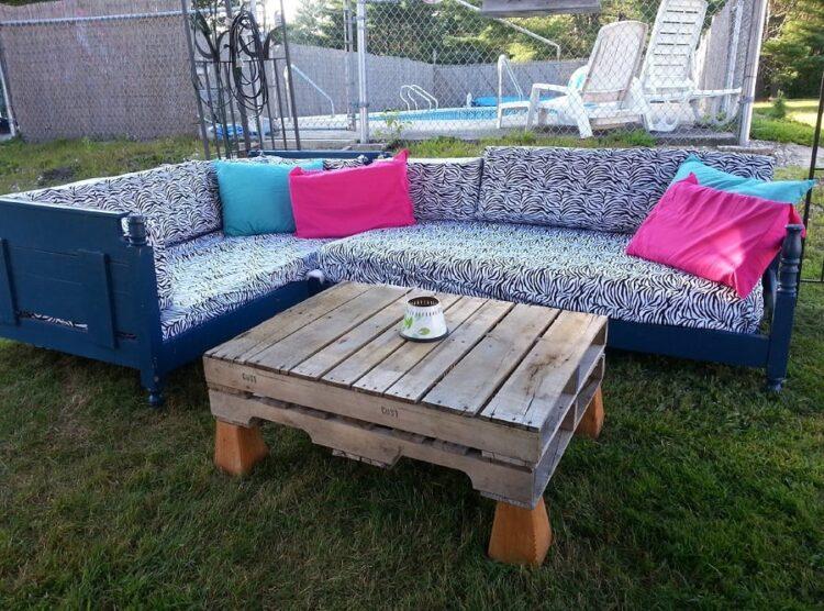 Schieben Sie 2 alte Betten zusammen… Was sie hier gemacht hat, will ich auch in meinem Garten haben!