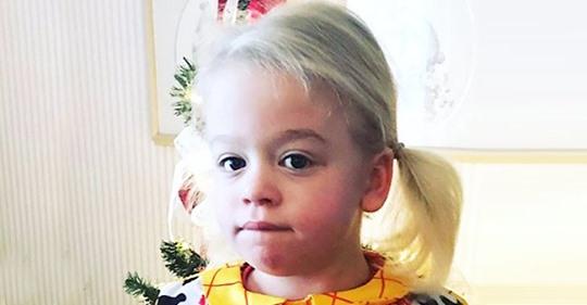 Ein 5-jähriges Mädchen, das an Demenz leidet: Sie vergisst langsam ihre Eltern