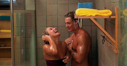 Fummelei in der Dusche: Love Island Henrik geht fremd!