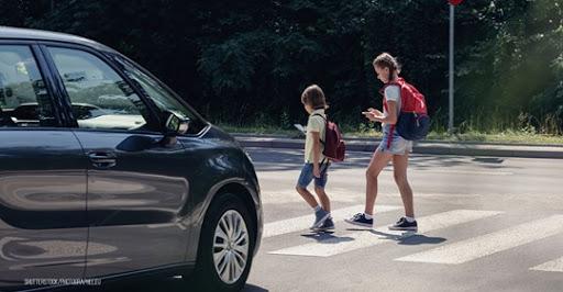 Raser vor Schulen & Kindergärten sollen Fahrverbot bekommen: Kompromiss für neuen Bußgeldkatalog