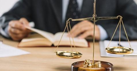 Rechtsstaat wieder herstellen: Anwälte helfen gegen Corona Willkür