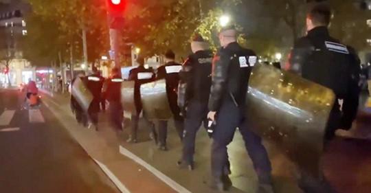 Schwarzafrikanisches Immigrantencamp in Paris mit Gewalt geräumt