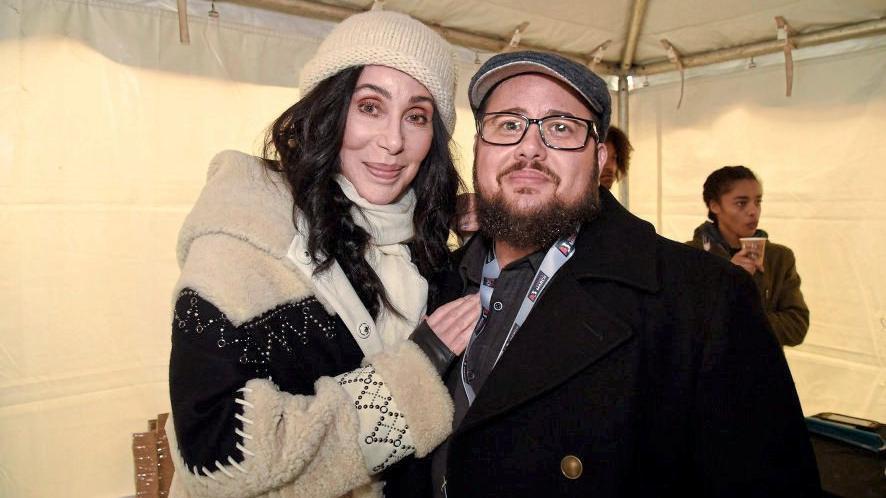 Chers Transgender-Sohn Chaz ist zu einem erfolgreichen Hollywood-Schauspieler geworden