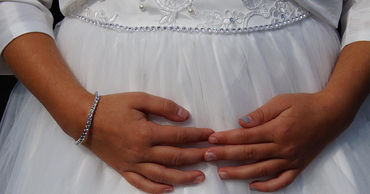 Philippinen: Mädchen (13) wird gezwungen, Mann (48) zu heiraten – muss sich um seine Kinder in ihrem Alter kümmern