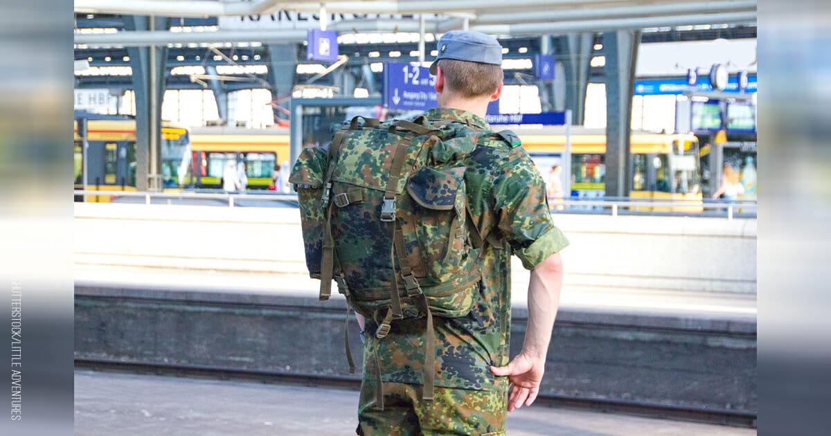 Bremen: 18-jähriger Soldat rettet Frau vor sexueller Belästigung im Zug