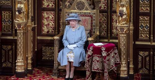 So zollte die Queen Prinz Philip bei Parlamentsrede Tribut