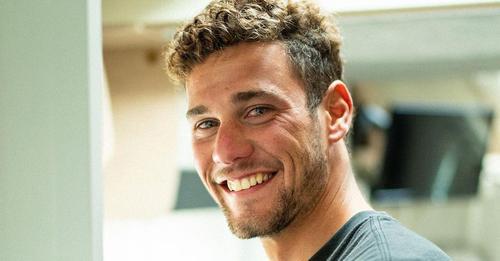 Von Welle gestürzt: Surfer Oscar Serra stirbt mit 22 Jahren