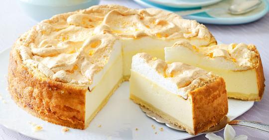 Goldtröpfchen-Torte (Käsekuchen mit Baiserhaube)