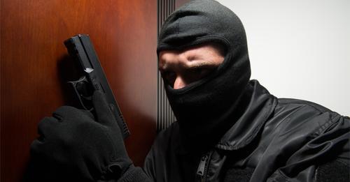 Home-Invasion: Brutaler Überfall im eigenen Haus