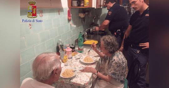 Polizisten finden einsames Ehepaar, kochten ihnen Spaghetti und hörten sich ihre Geschichten an